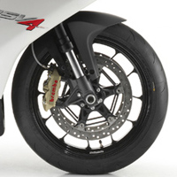 Aprilia Rsv4 wheels and tyre view Picture