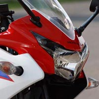 Honda CBR 150R Head Light View
