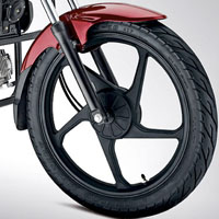 Mahindra Stallio wheels and tyre view Picture