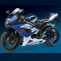 Suzuki GSX-R1000 Front Cross Side View