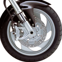 Suzuki Intruder M1800R  wheels and tyre view Picture
