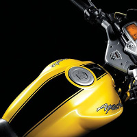TVS Apache RTR160 Kick Start oil tank view Picture